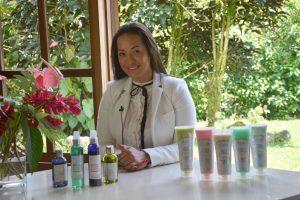 María Laura Quesada es esteticista e inició su negocio sostenible, con productos 100% naturales. (Foto cortesia).