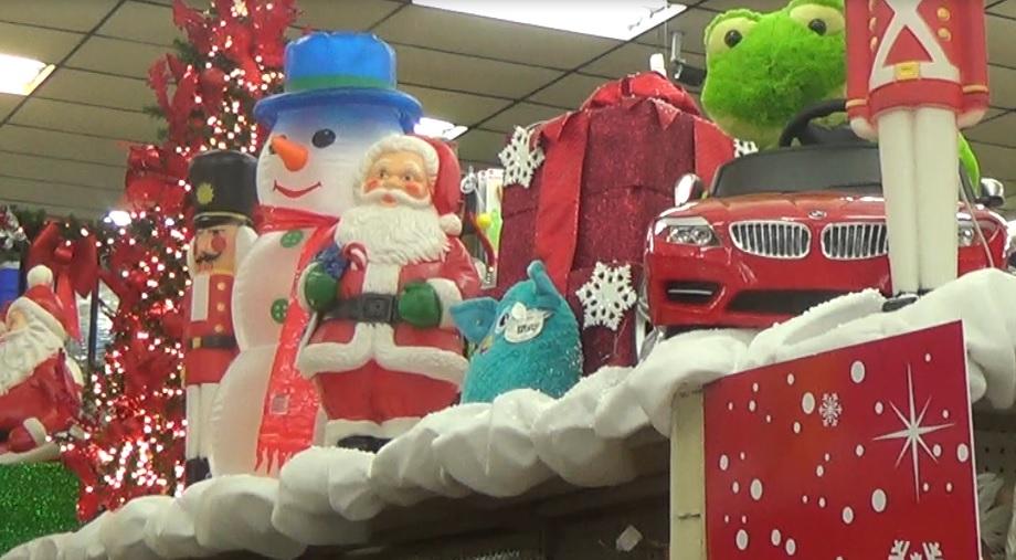 Comerciantes inauguran sus nuevos estilos de decoraci n - Decoracion navidena para comercios ...