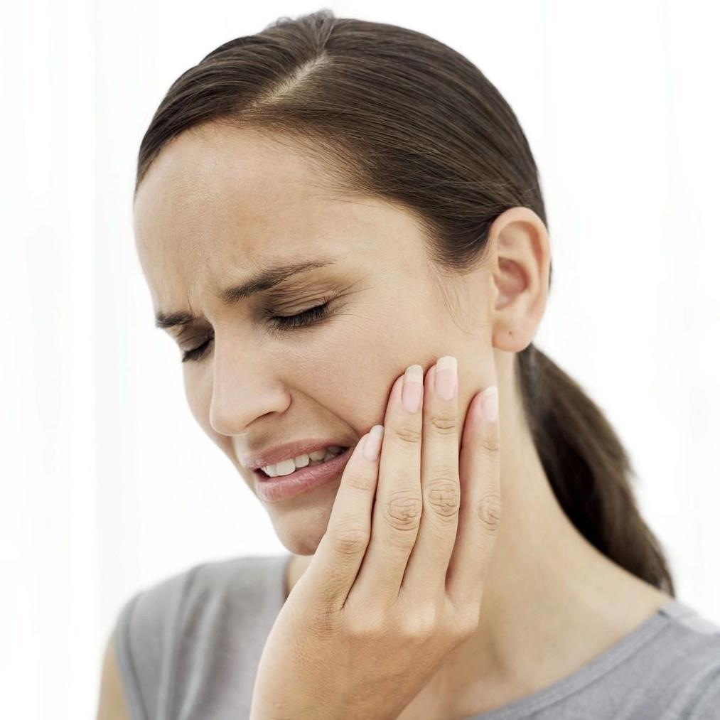 El ruido en la oreja llamado por la osteocondrosis