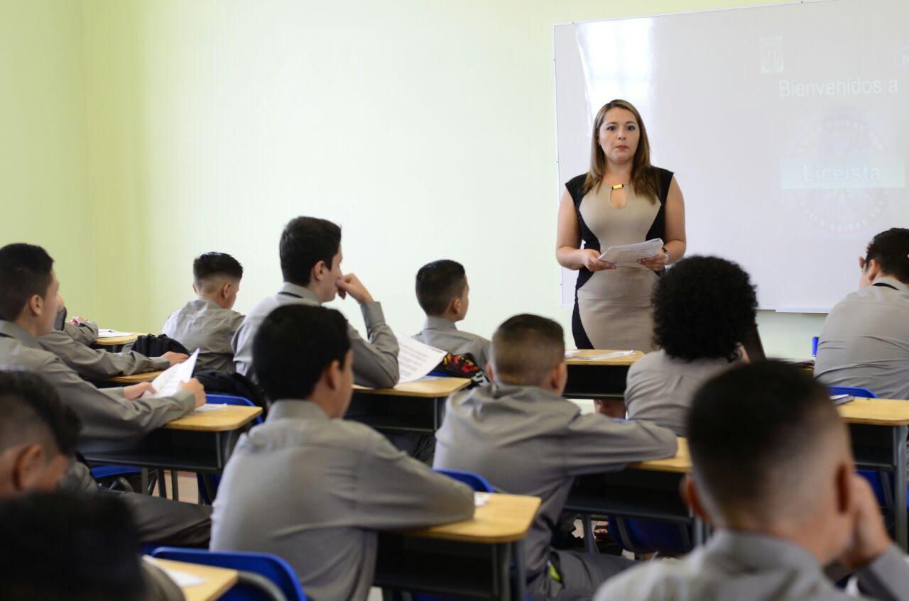 MEP capacitó 800 docentes por bajo dominio del inglés