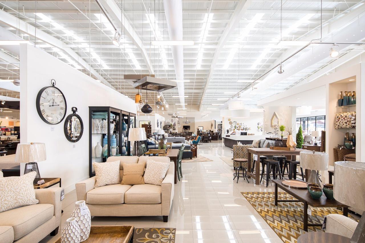 Ashley Furniture abre su segunda tienda en el país