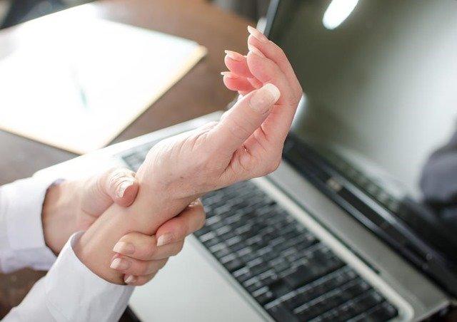 Izquierdo pulgar dolor mano dedo