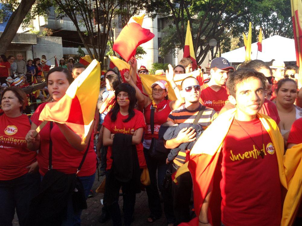 Diputado denuncia a candidato a la presidencia Luis Guillermo Solís