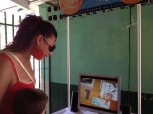 """Voluntarios calificaron como """"sencillo"""" y """"amigable"""" el voto electrónico"""