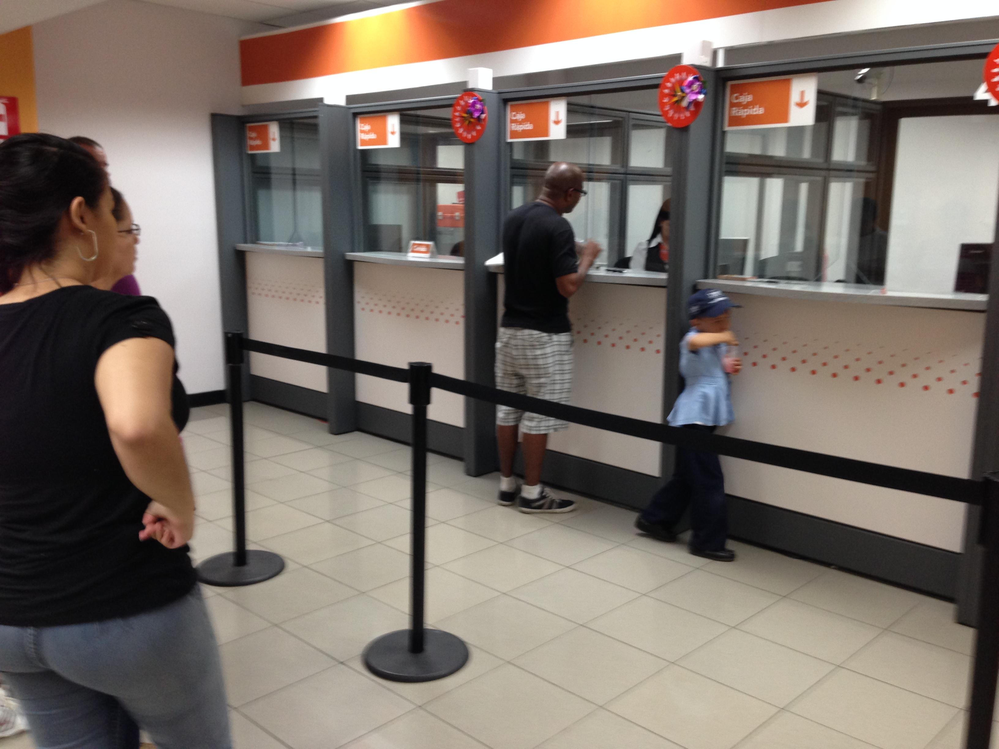 Banco popular abre dos nuevas sucursales for Oficinas banco popular malaga
