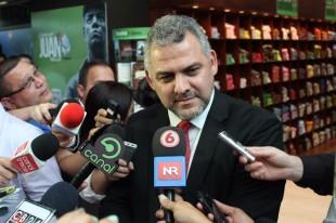 Carlos Segnini, ministro Mopt. CRH