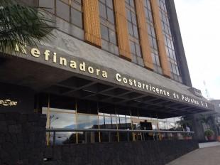 Recope llevaría a Aresep a Tribunal para defender convención colectiva