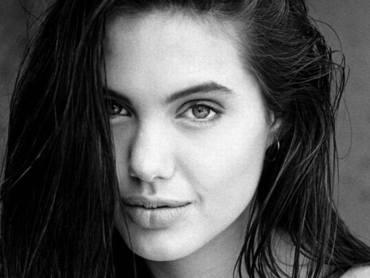 Angelina jolie sin ropa fotos 96