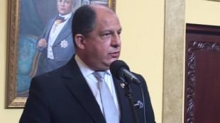El presidente Luis Guillermo Solís se reúne hoy con líderes sindicales. CRH.